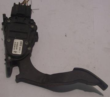 6pv00856700 pedale accelaeratore ford fiesta